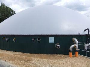 Biogasspeicher_auf_dem_Gärrestebehälter_des_Hofes_von_Herrn_Heinz_Hofmann_in_Üttfeld_in_der_Eifel