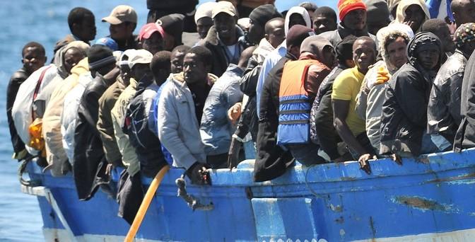 Flüchtlingsdrama im Mittelmeer: Wie die EU die Fluchtursachen schafft (Monitor, ARD)