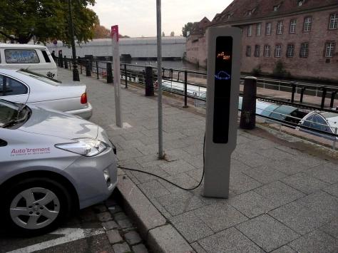 ladestation-fuer-elektroautos-gesehen-auf-62607